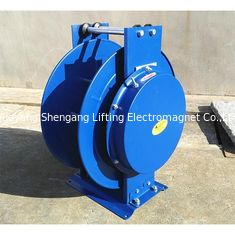 China 25m Length Retractable Air Hose Reel , Self Winding Hose Reel With Brass Swivel factory